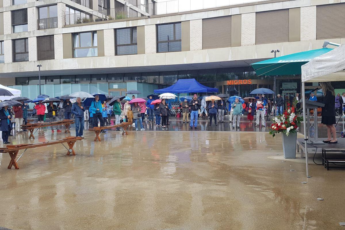 Regen und kostenpflichtige Bratwürste zum 1. August